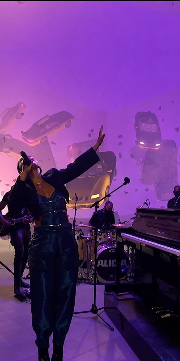 UNSTAGED Alicia Keys